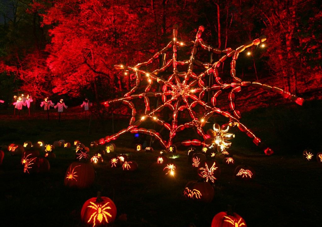 the great jack o lantern blaze a glowing spectacle at van cortlandt manor - Halloween On The Hudson
